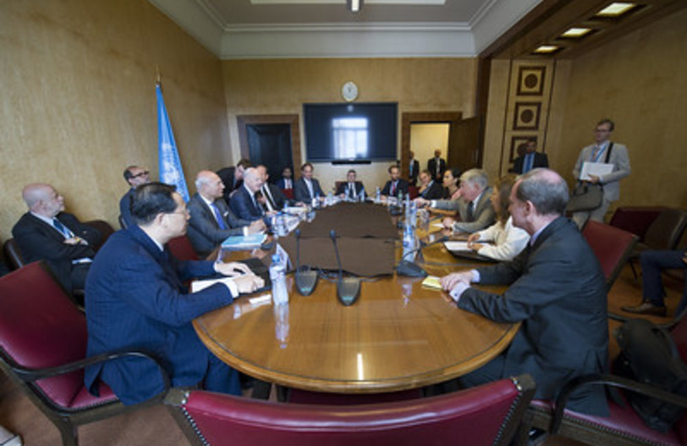 Staffan de Mistura, United Nations Special Envoy for Syria briefs the five Permanent Members of the Security Council to the United Nations during the Intra-Syrian talks. Geneva, 10 July 2017. UN Photo / Violaine Martin
